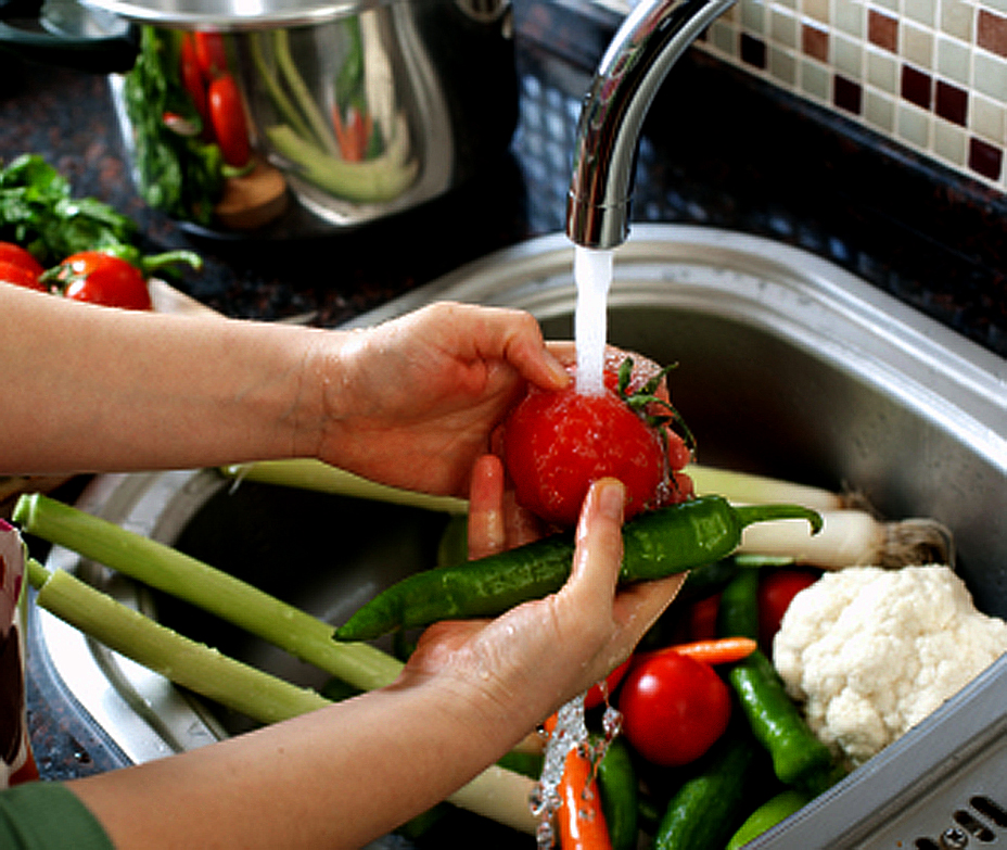 Washing your produce bacteria pesticides dirt oh my igozen - Foods never wash cooking ...